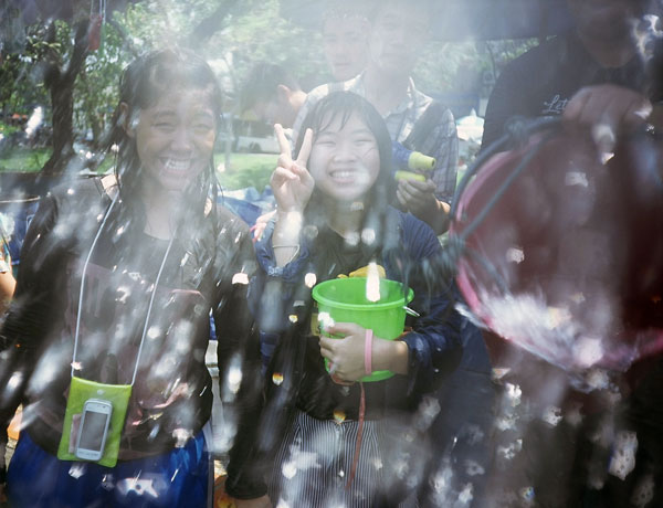 KekeTop © photo from the series Marginal Slope - Songkran 2012 Chiang Mai Thailand